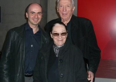 L'artiste français Pierre Soulages, sa femme Colette et Hervé Lancelin